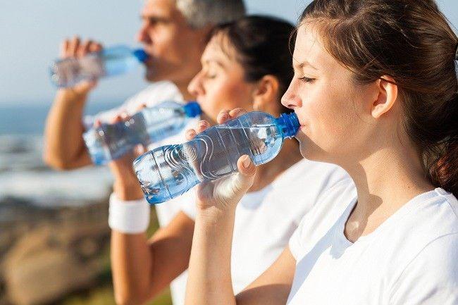 Beberapa Aturan Cara Minum Air Mineral Yang Baik Dan Benar